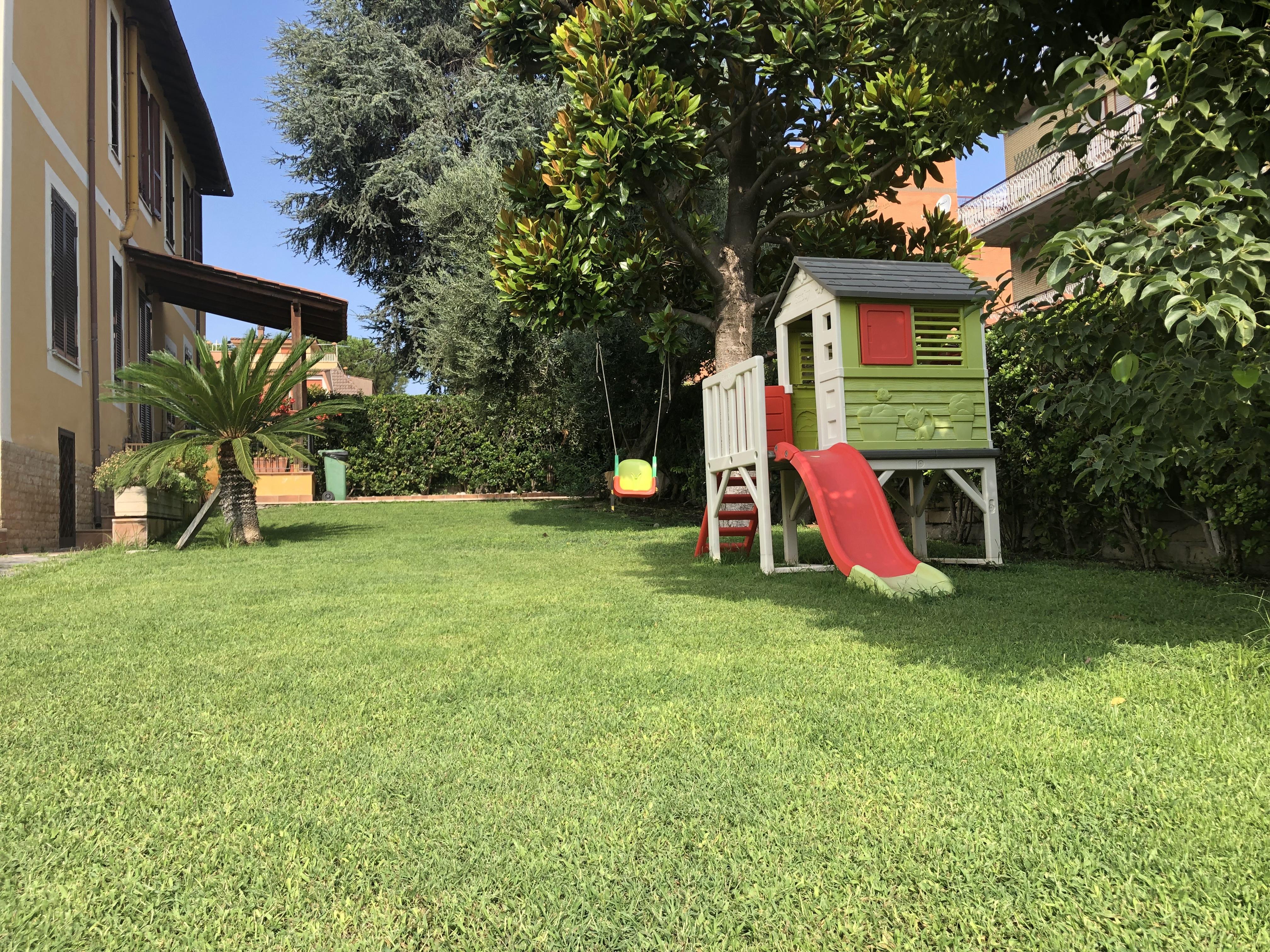 Terra Buona Per Giardino vendita all'ingrosso di terra vegetale da giardino. consegne